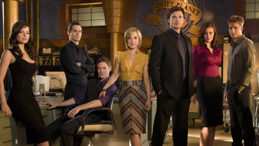 where to watch smallville free