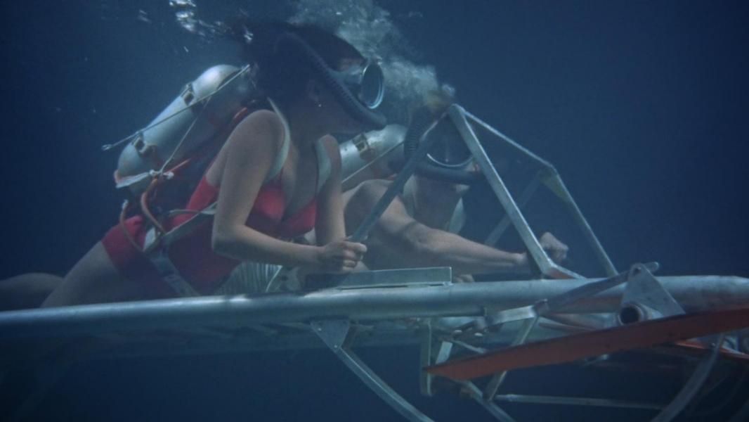 watch underwater free